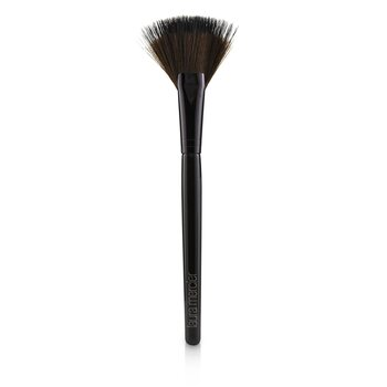 Laura MercierFan Powder Brush