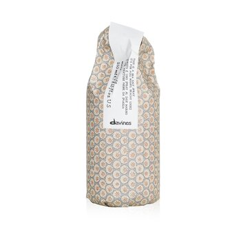 DavinesMore Inside This Is A Sea Salt Spray (For Full-Bodied, Beachy Looks) 250ml/8.45oz